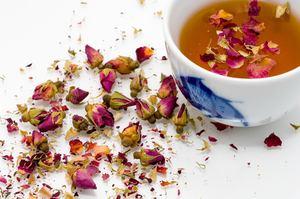 Prendre un thé avec des amis dans ma cuisine Feng shui