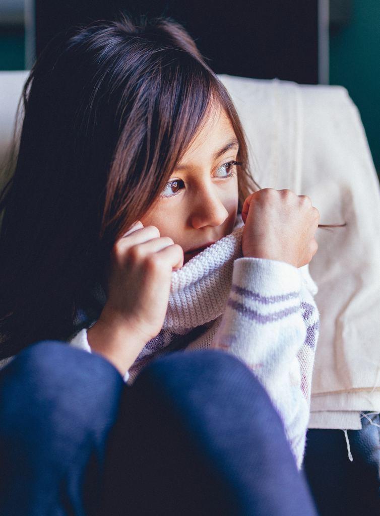 Pensées et doutes, stress et trsitesse chez l'enfant. Bien accompagné par un professionnel, votre enfant se développera de manière plus sereine. Stéphanie Guiberteau propose des séance de sophrologie psycho-comportementales autour du jeu et des émotions pour mieux vivre avec. RdV sur Doctolib.fr